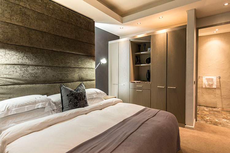 Terrific 5 Star Hotel Rooms Cape Town Luxury Accommodation Largest Home Design Picture Inspirations Pitcheantrous