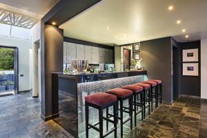Bar Area O on Kloof