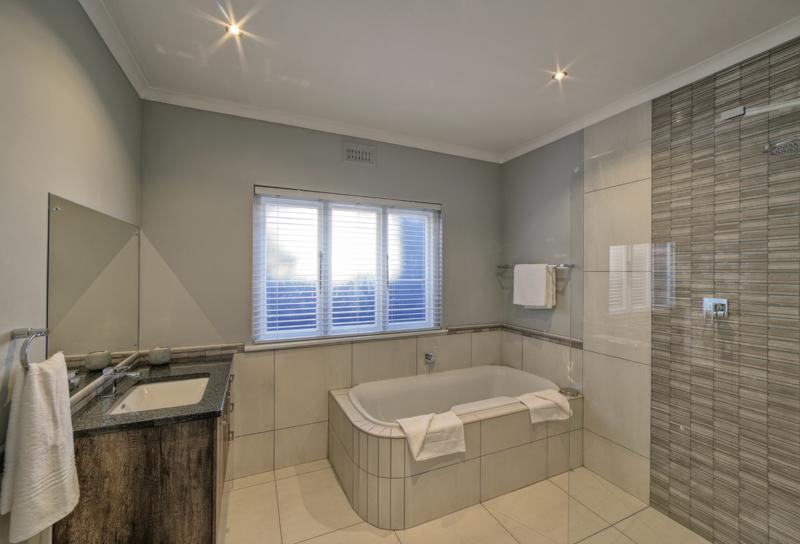 Cape Town Hotel Bathroom